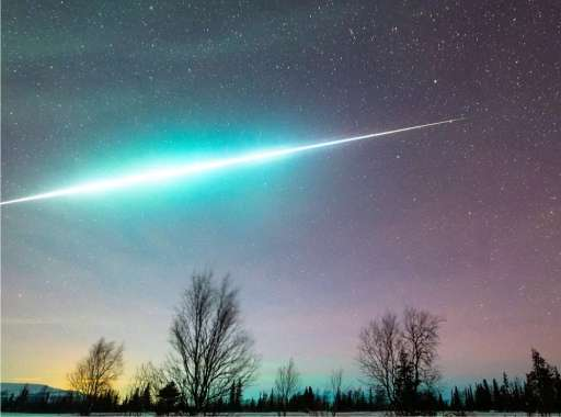 A meteor lit up the sky over 10 provinces at once