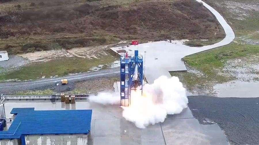 Turkiets framgångsrika tester av en hybridraketsmotor för månfärder