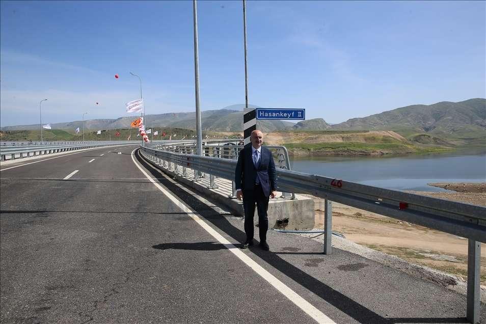 A kilometer bridge over the Tigris river