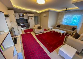 Big Furnished 1+1 Apartment in Cozy Complex For Sale in Mahmutlar
